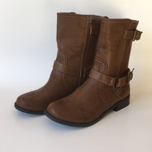 G by Guess brown boots, size 8